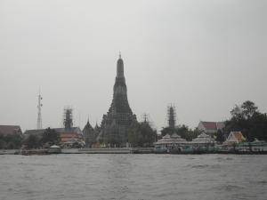 Wat Arun aus der anderen Flussseite